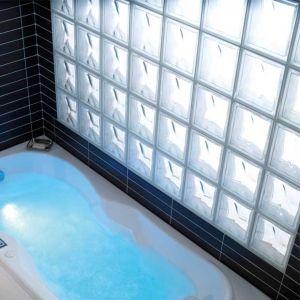 Salle de bains en pav s de verre gain de lumi re pav de - Salle de bain pave de verre ...