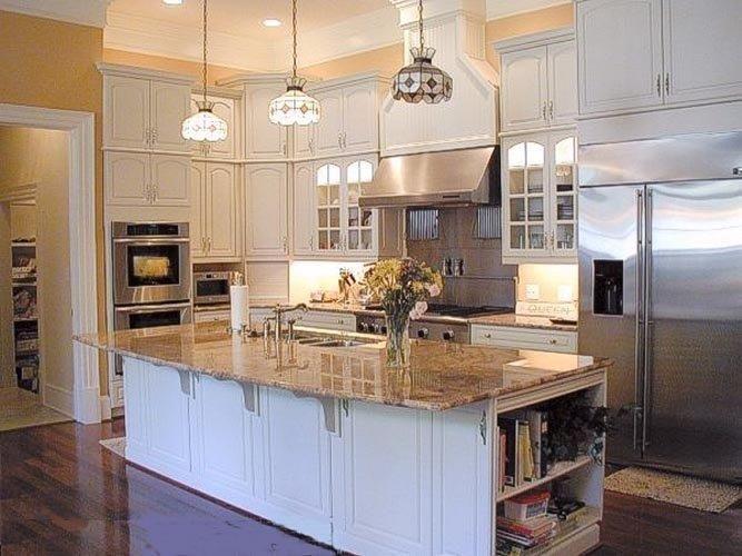 White Cabintes With Brown Countertops Dark Floors Brown Tone Countertop White Cabinets Kitchen Cabinets And Countertops Solid Wood Kitchen Cabinets Kitchen