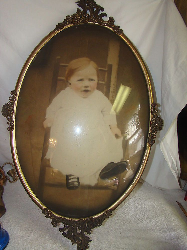 Antique Vintage Oval Convex Glass Metal Picture Frame W Photo Of