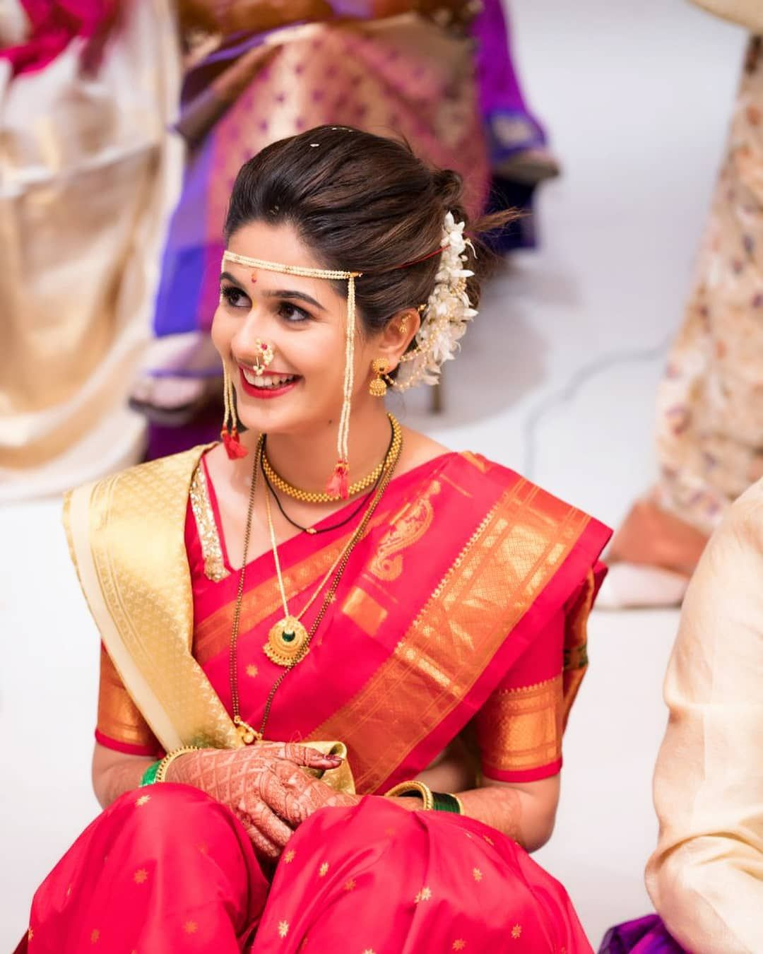 Spotted 25 Trending Marathi Brides Who Took For Hearts Indian Wedding Bride Indian Bride Hairstyle Marathi Bride