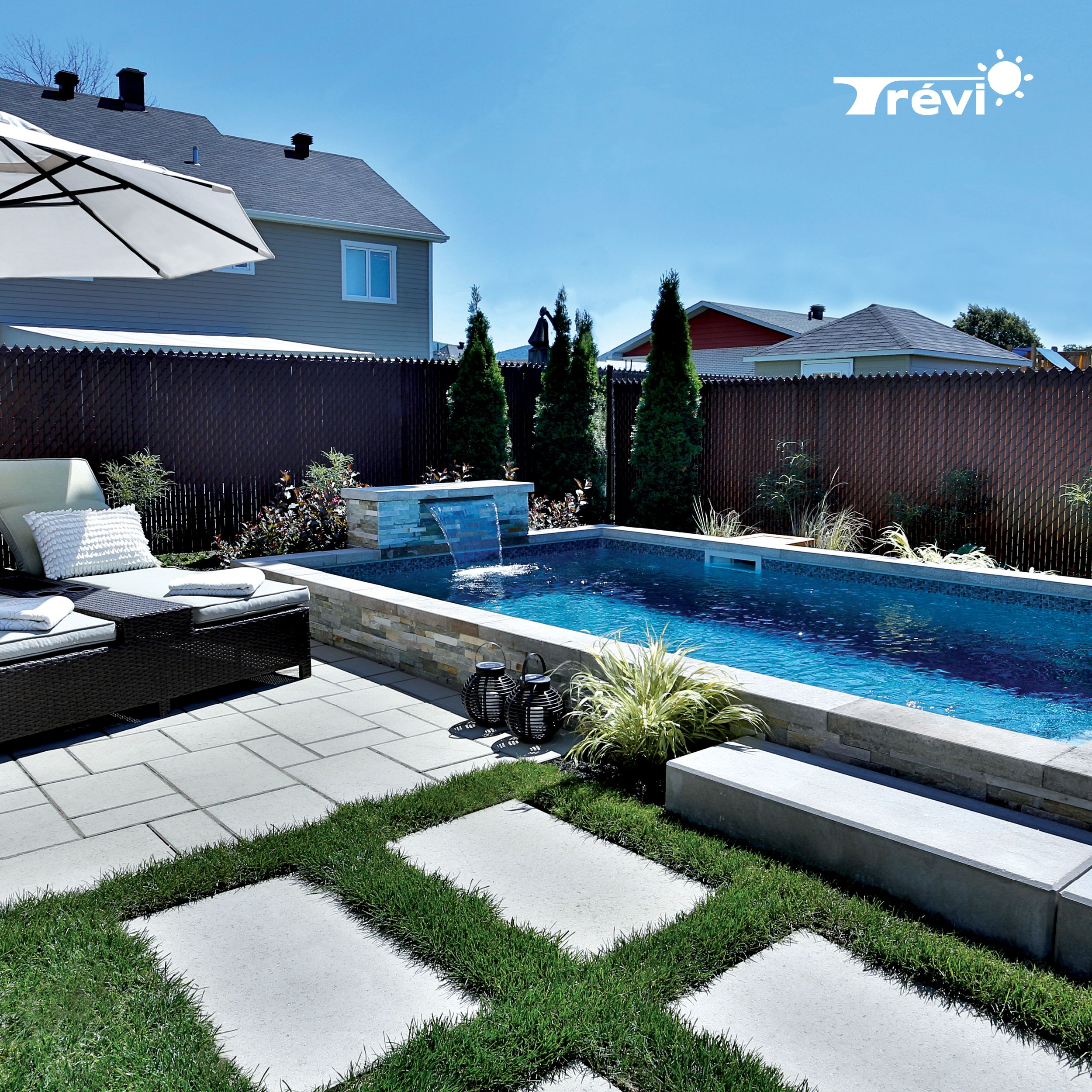 La Piscine Trevi Europea Est La Piscine Ideale Pour Ceux Qui Recherchent Un Look Moderne Et Raffine Cette P Outdoor Pool Area Vinyl Pools Inground Pool Colors