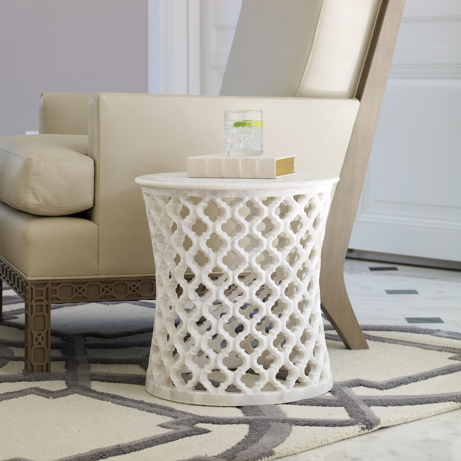 Attirant Global Views Marble Arabesque Side Table: A Hand Carved Ogee Pattern Forms  The Moroccan Inspired Base Of Global Viewsu0027 Arabesque Side Table.