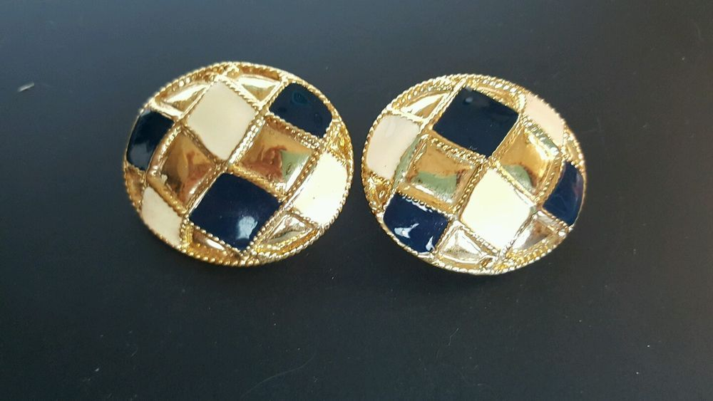 Vintage Clip-on Earrings Large Oval Check Board Pattern Gold Tone & Enamel #Unbranded #Clipon