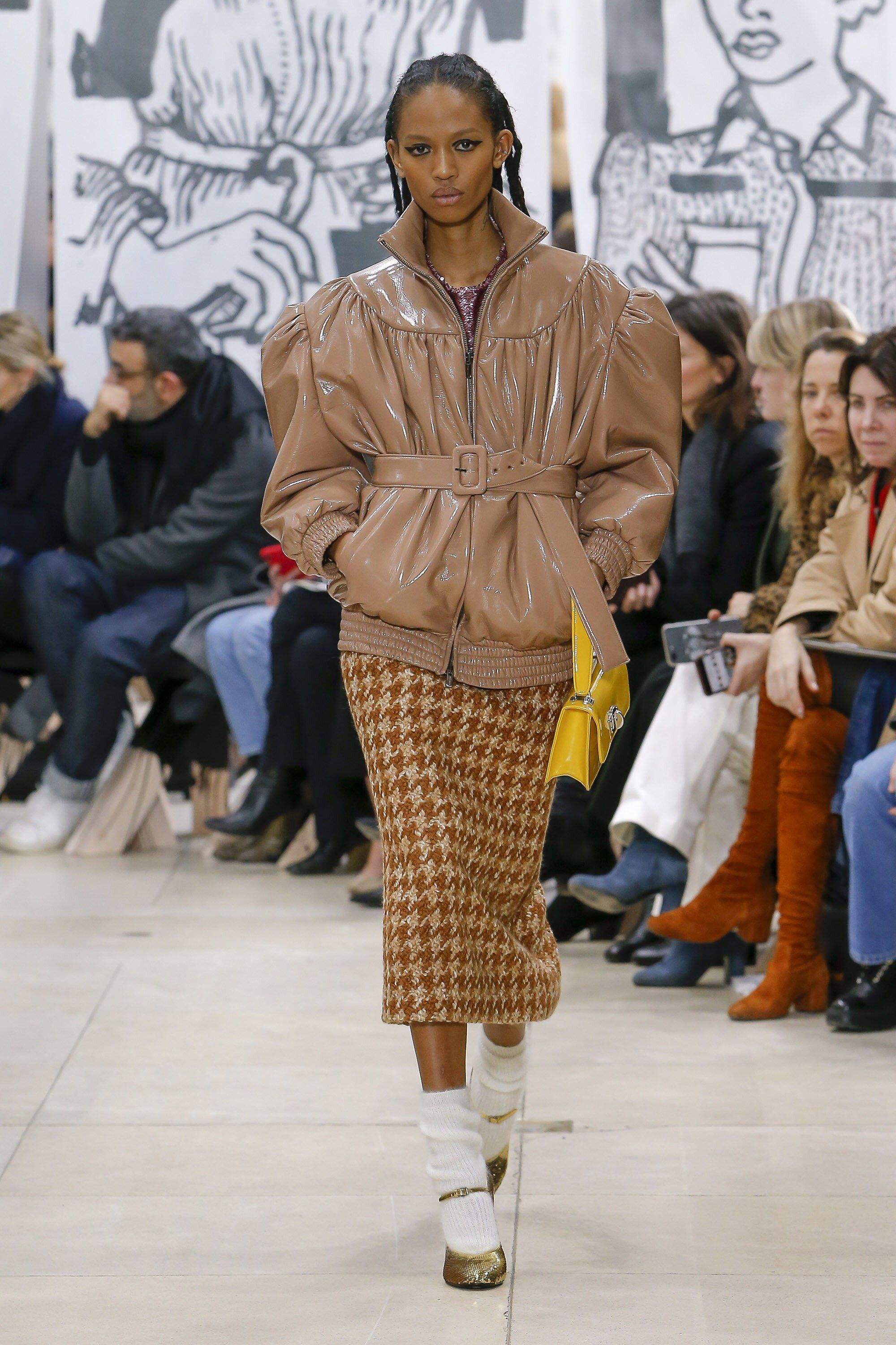 ce6a7e6c2566 Miu Miu Fall 2018 Ready-to-Wear Fashion Show Collection  See the complete Miu  Miu Fall 2018 Ready-to-Wear collection. Look 20