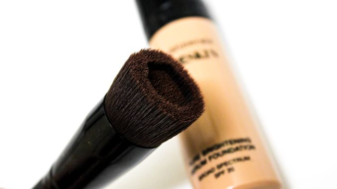 Love, Shelbey: Bare Minerals Bare Skin Brightening Serum Foundation