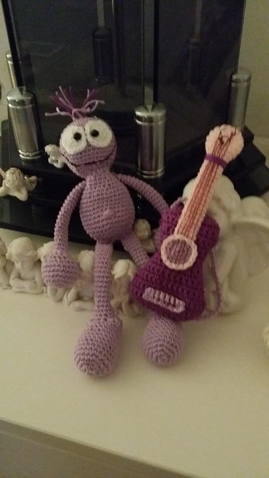 Violetta mit Gitarre