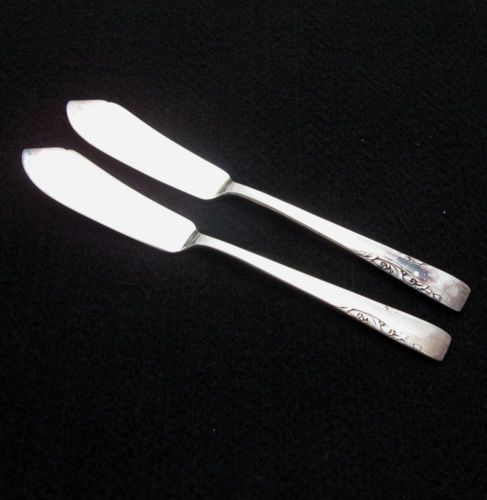 At Can Do Collectibles, you can expand your flatware set by buying only what you need.