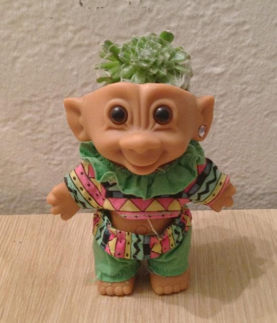 Garden trolls have an old troll doll around remove the for Garden trolls