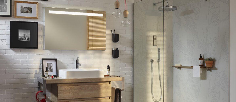 4 solutions pratiques et déco pour rajeunir les murs de la salle de