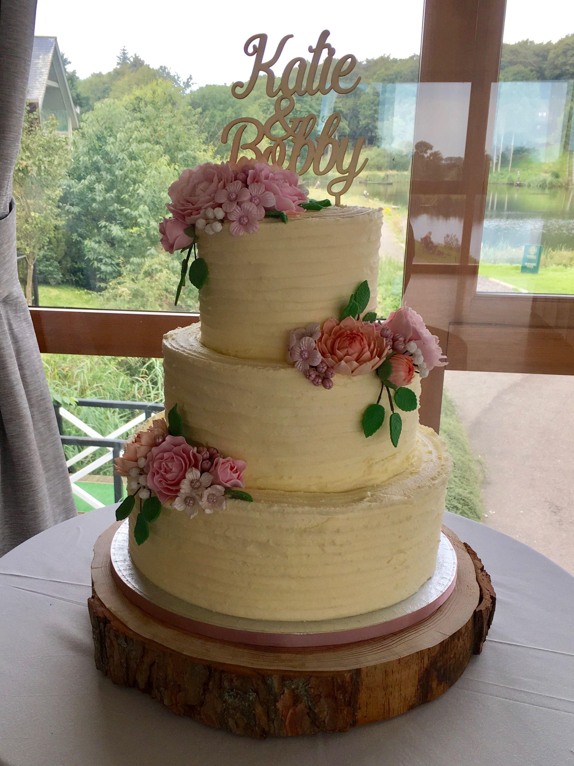 Pin by Gemma Farley on Wedding | Buttercream wedding cake