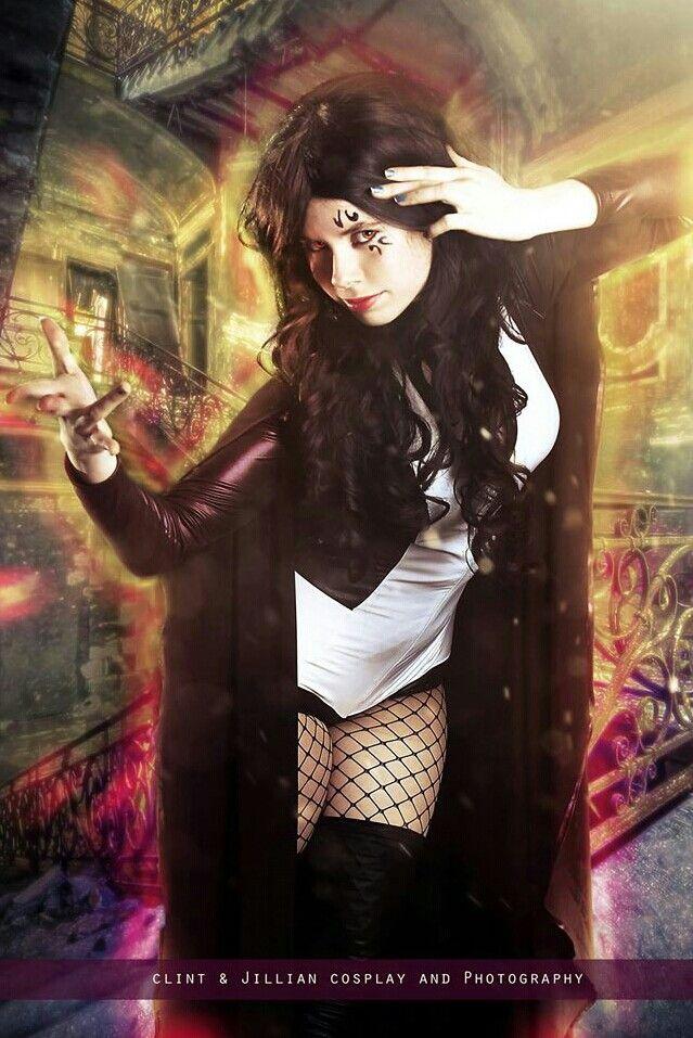 Zatanna cosplay   Zatanna cosplay, Fashion, Cosplay