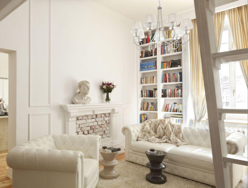 Salon Z Antresola Romantyczna Aranzacja Salonu Home Decor Home Living Room