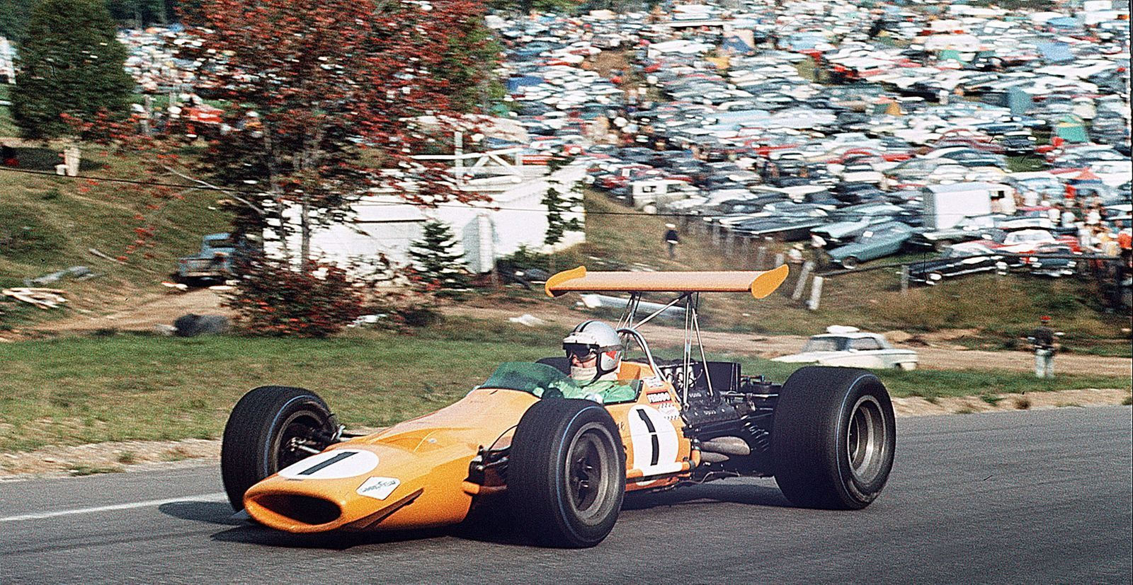 Denny Hulme - Mclaren M7a 1968 Canadian Gp Mont-tremblant 1600x827 F1