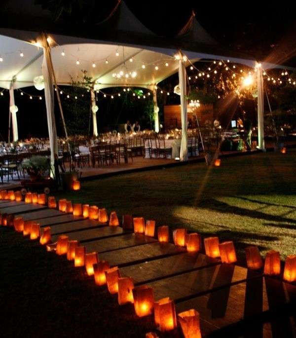 Bodas de noche fotos de ideas decorativas c mo decorar for Decoracion boda exterior