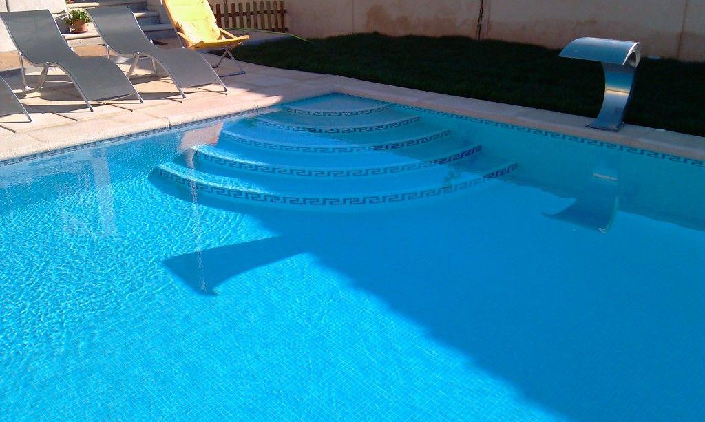 Pin de tati aguirre en casas escalera piscina piscinas for Escalera piscina
