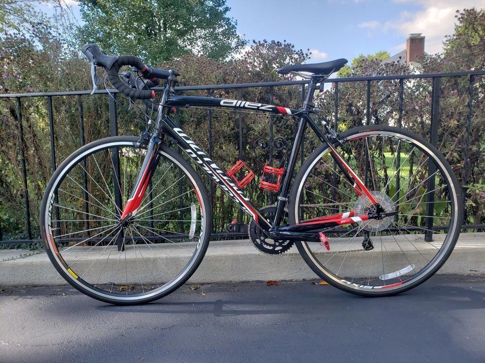 2020 Specialized Allez Sport Endurance Road Bike in Grey