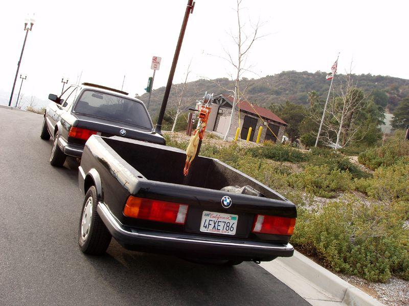 bmw trailer low slow und pinup girls fahrzeuge autos und verr ckte autos. Black Bedroom Furniture Sets. Home Design Ideas