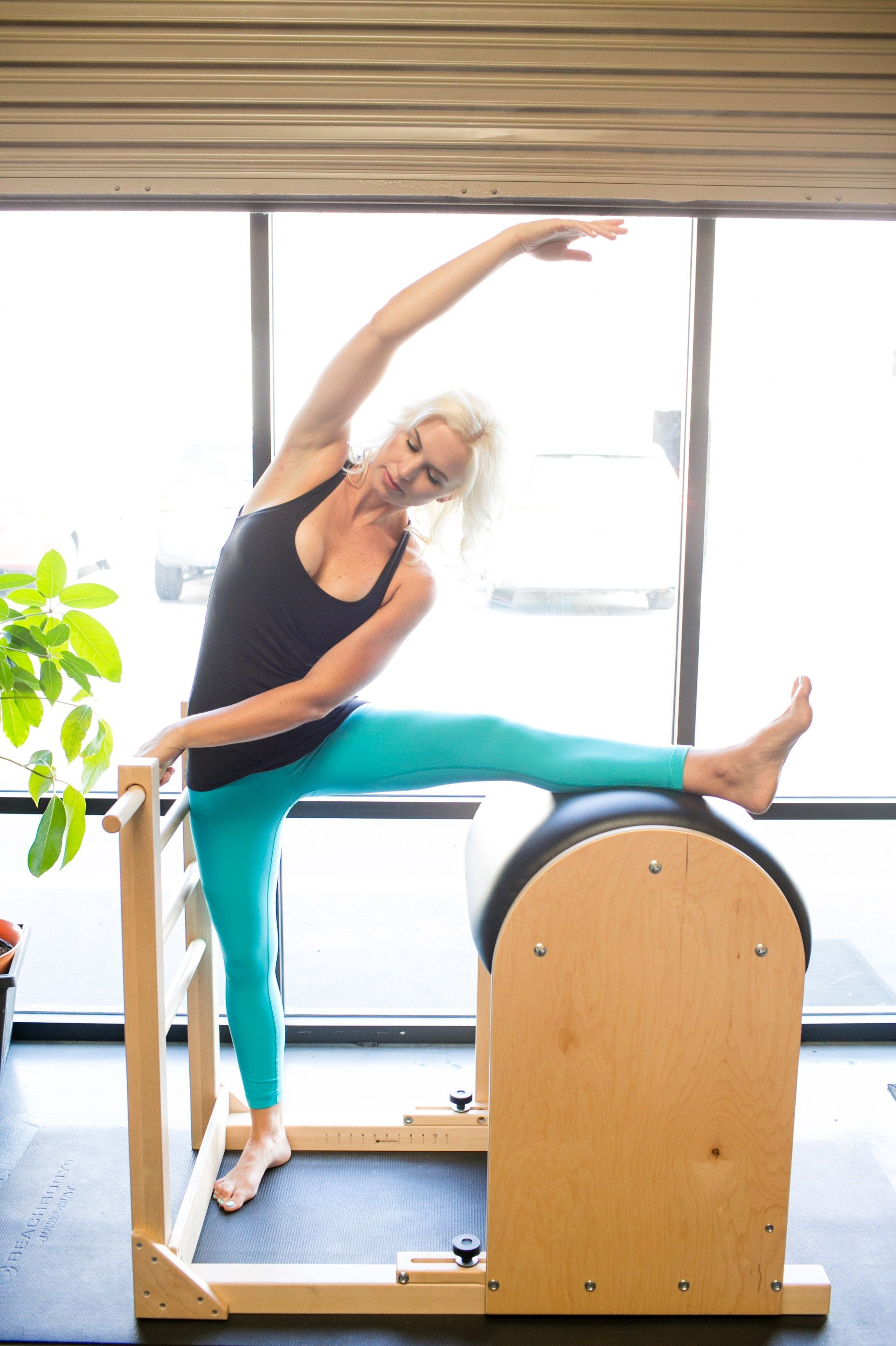 Maximize Your Stretching With These Super Hot Pilates Yoga Moves Pilates Hot Pilates Yoga Pilates
