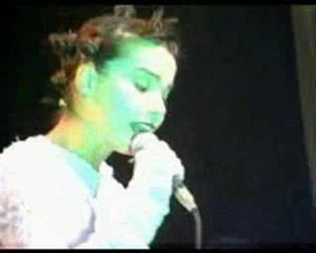 Björk - Atlantic LIVE 1994 Vessel - YouTube