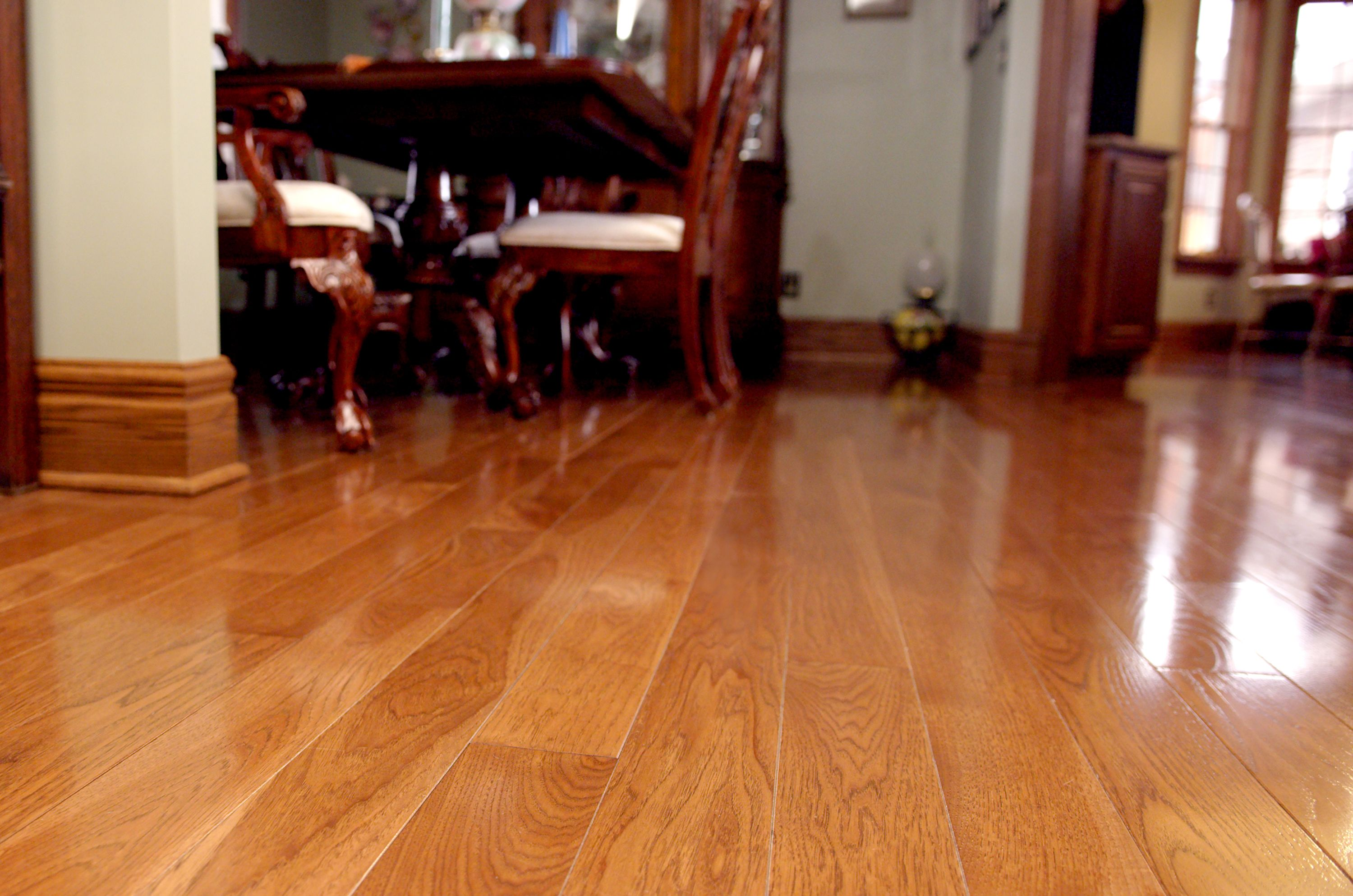 4 Hickory Micro V Groove End Matched Floor With Traditional Cherry Stain And Semi Gloss Finish Hardwood Floors Flooring Cork Flooring