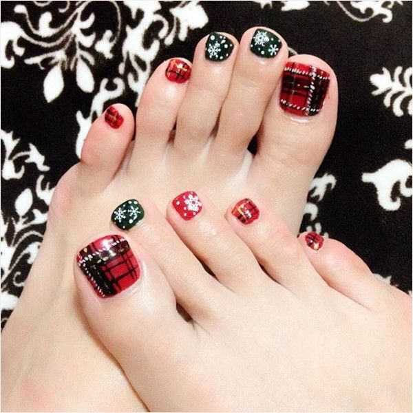 Plaid and snowflakes christmas toe nail design More - 27 Holiday Fun Designs For Christmas Toe Nails! Christmas Toes