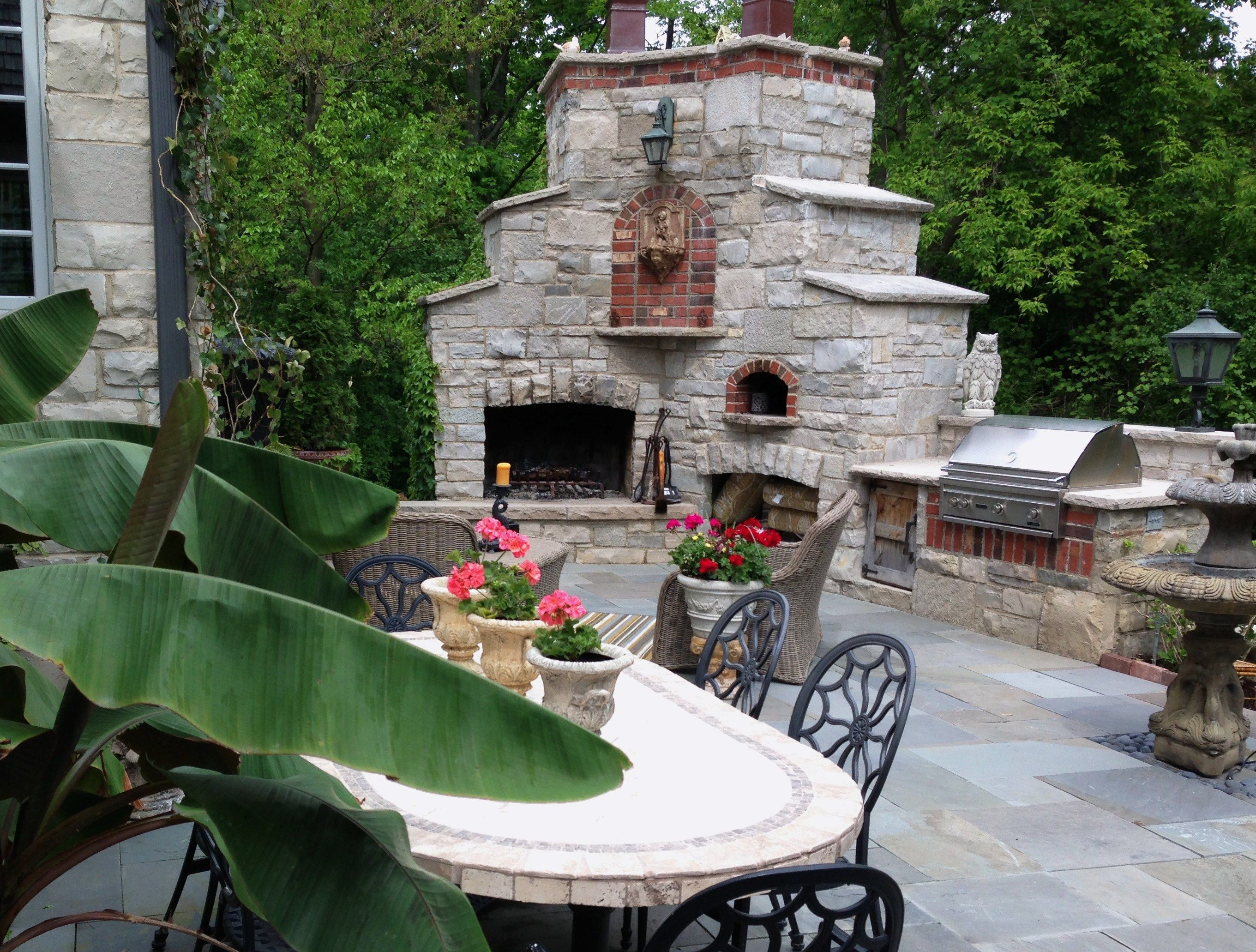 Outdoor fireplace and Pizza oven 2721—2062 BBQ