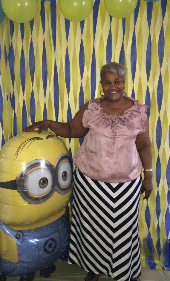 Minion picture booth