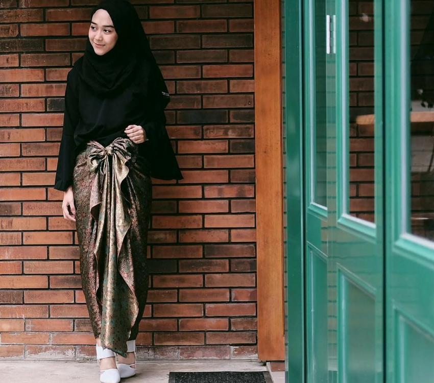 Baju Kondangan Sederhana Berhijab