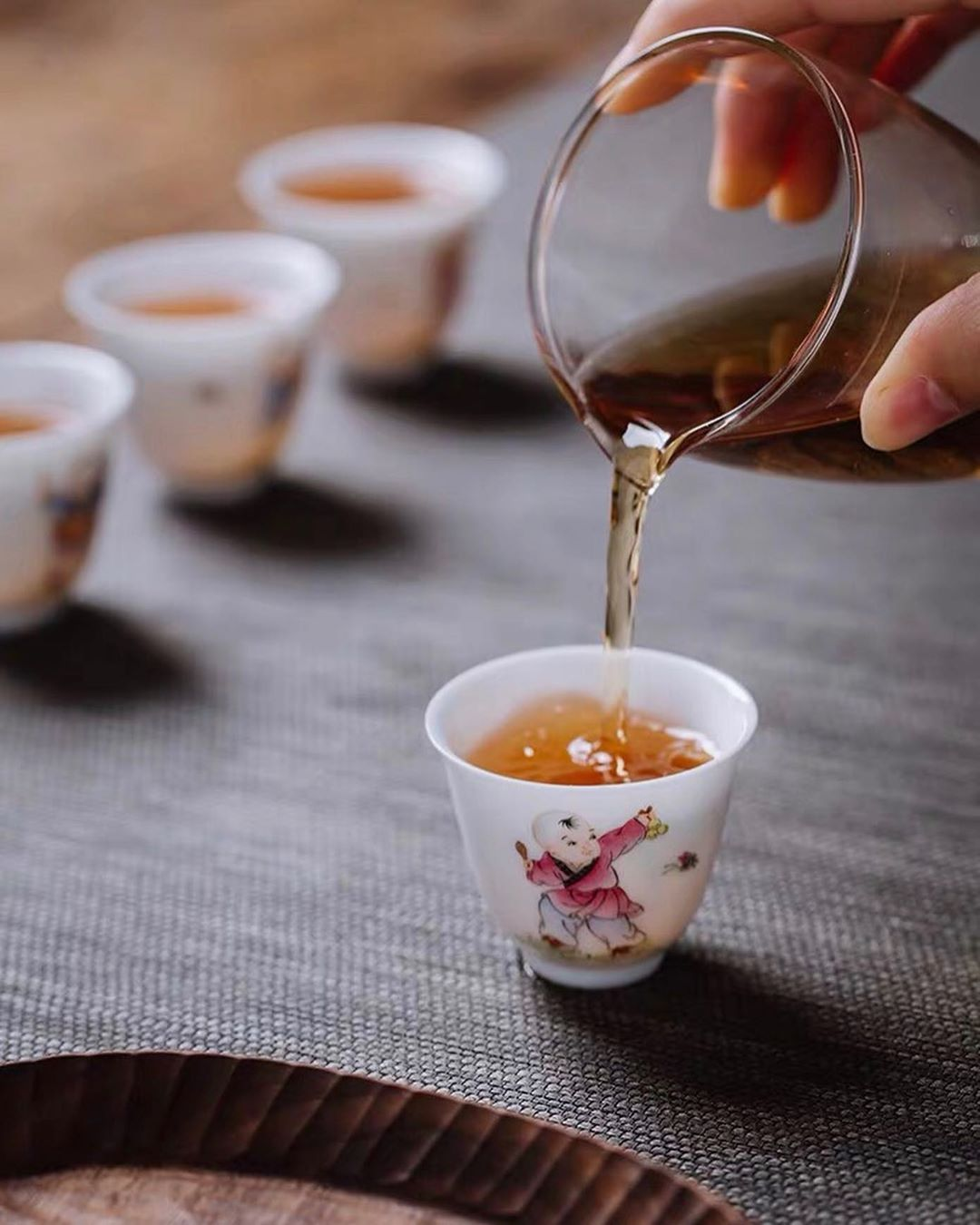 Why use exquisite tea sets? That's because it makes you feel pleasure and joy. . . .