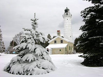 Winter Is A Favorite Time Of Year For Visitors Who Savor Door County S Slower Pace More Than 100 Miles Of Trail With Images Door County Lighthouses Door County Lighthouse