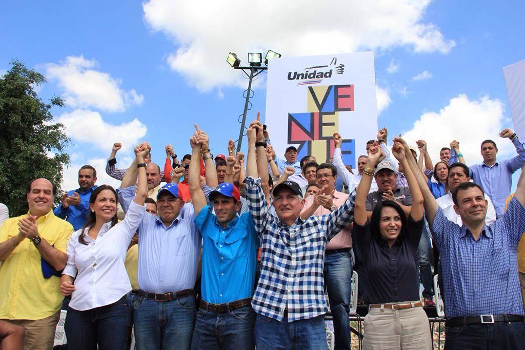 """Más y mejor #UNIDAD alrededor de la @unidadvenezuela y más allá:   #MUD"""""""""""