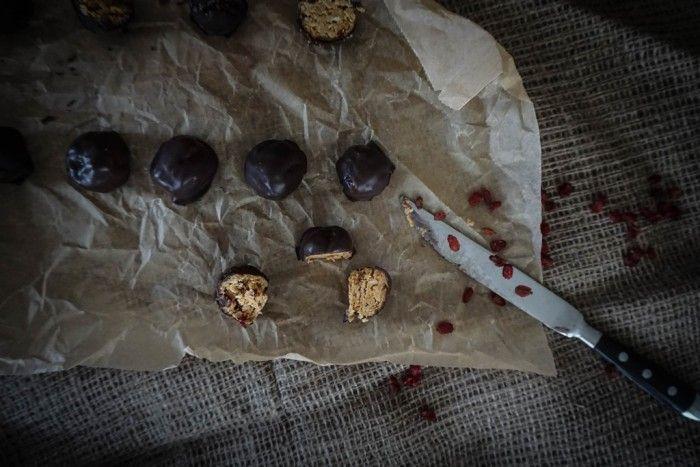ein Rezept für Peanut Butter Oatmeal Balls – weil Schokolade und Erdnussbutter einfach zusammen gehören | Mrs. Mohntag | Bloglovin'