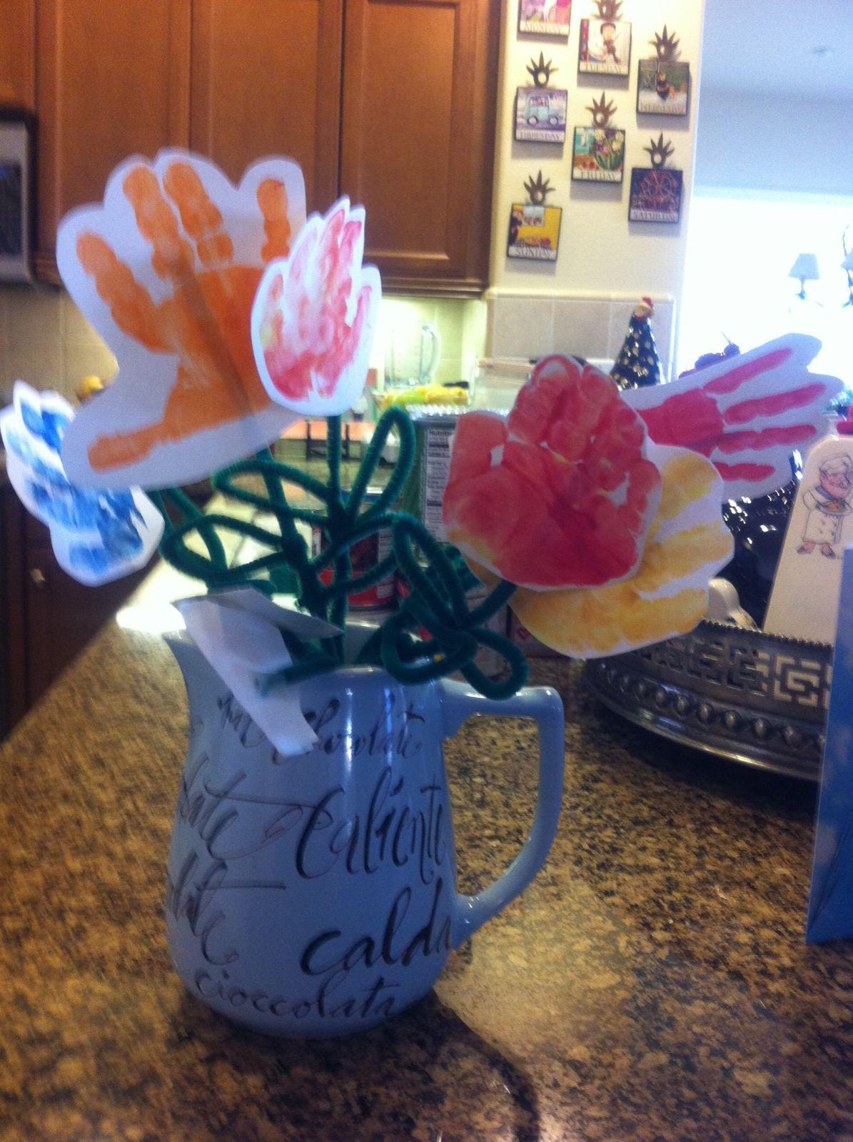 Handprint Flower Bouquet | Flower bouquets, Flower and Holiday fun
