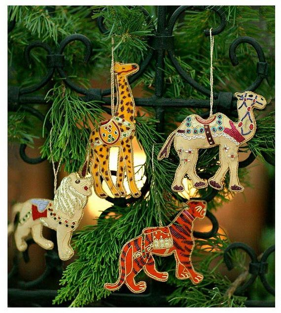 India Crafts For Holiday Christmas Decorations Family Holiday Net Guide To Family Holidays On The Internet Handcrafted Christmas Ornaments Felt Christmas Ornaments Christmas Decorations