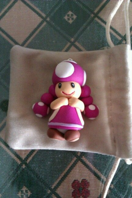 Toadette version femenina de toad (Mario 64).