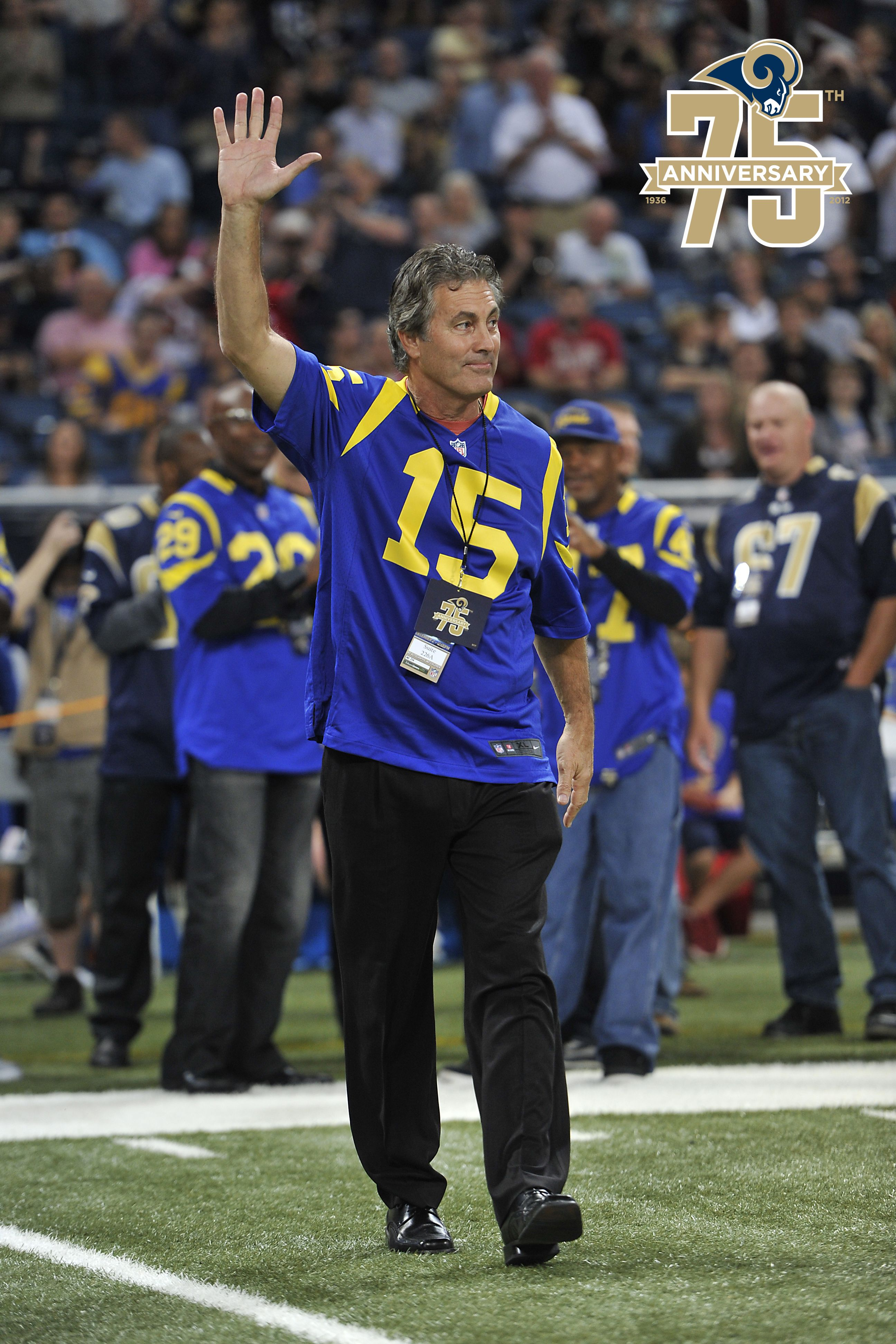 Quarterback Vince Ferragamo Played 7 Seasons For The Los Angeles Rams Ferragamo And Other Rams Legends Wer Los Angeles Rams Football Couples American Football