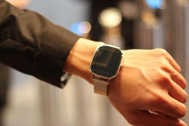 Asus ZenWatch 2 Looks Like Apple Watch, Runs Android