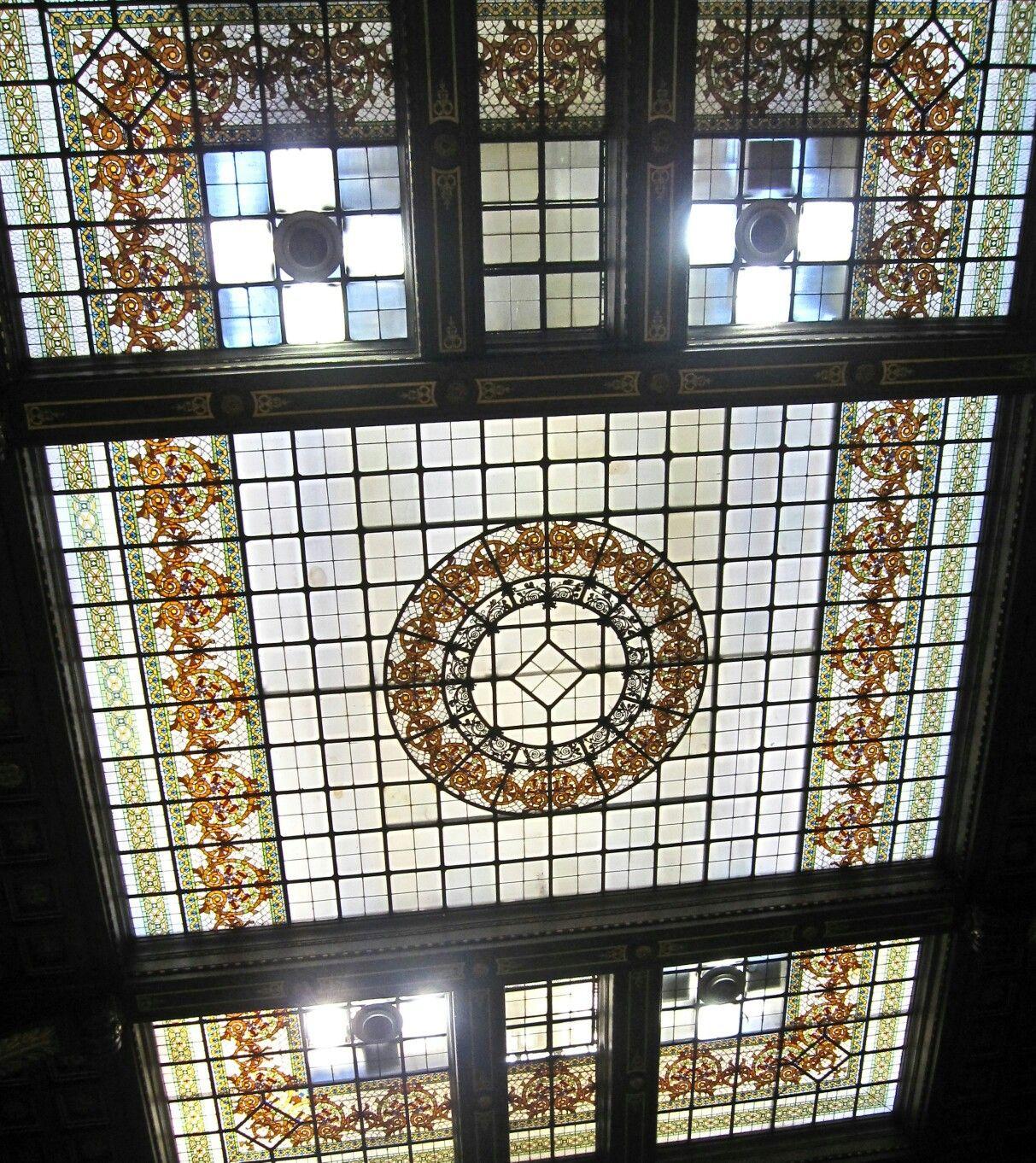 Soffitto Palazzo Zevallos Stigliano a Napoli. Ex sede della Banca Commerciale.