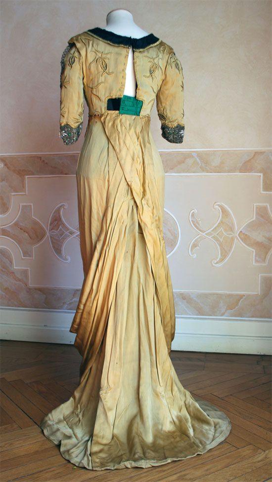 Edwardian Ball Gowns | Amazing antique Edwardian silk velvet evening ...