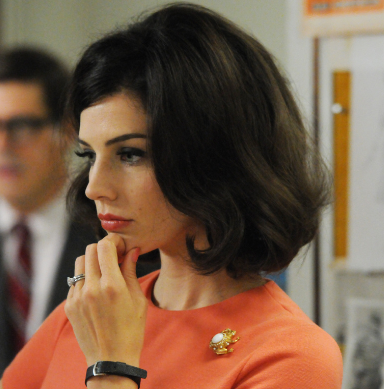 Pin By Deeshoots On Ootd Mad Men Hair Big Wavy Hair Hair Inspiration