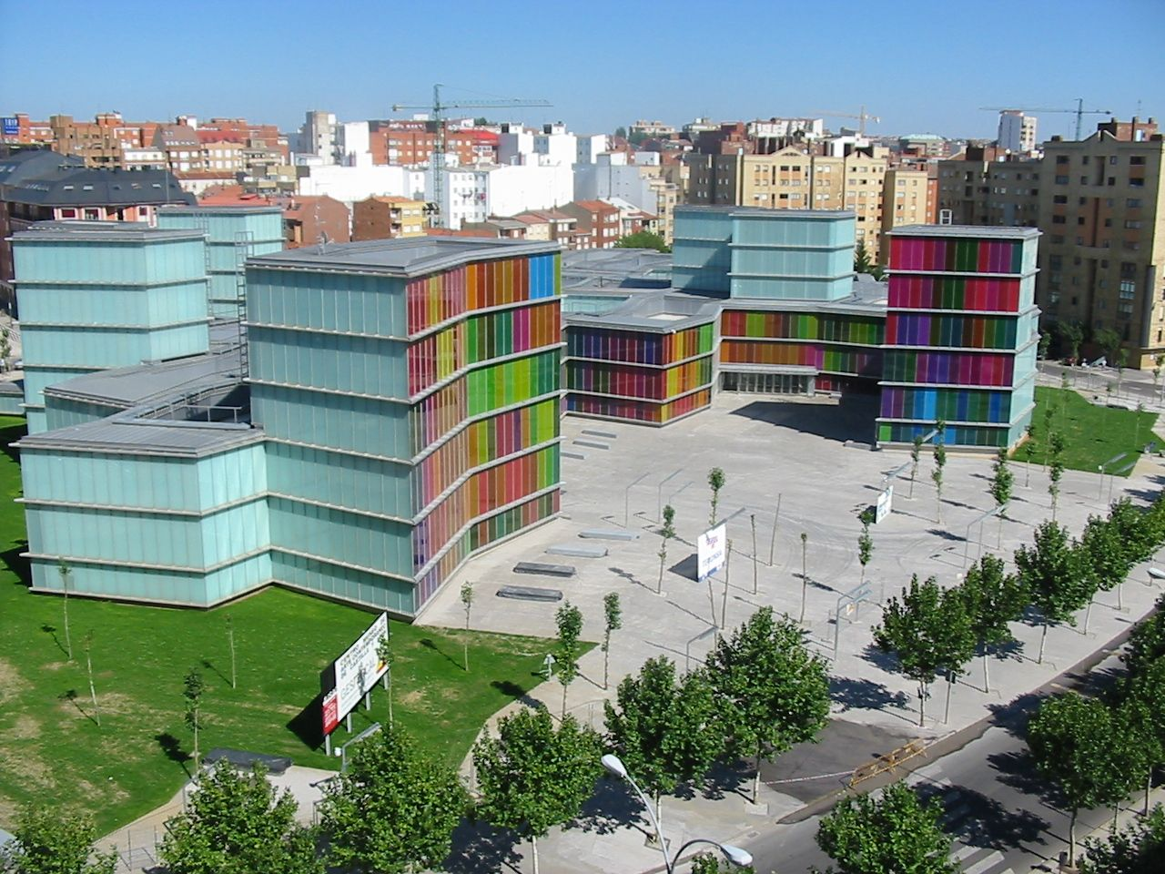 Project: MUSAC León Architects: Mansilla & Tuñón Material: Decorblind