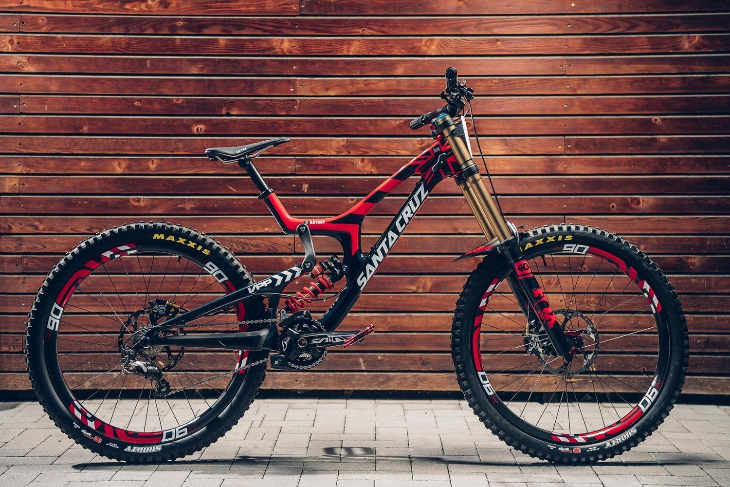 Climb on board the ratboys one off santa cruz v10 santa cruz mtb josh brycelands santa cruz rig gets the world championships treatment in time altavistaventures Image collections