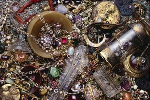 """Items from """"The Cheapside Hoard: London's Lost Jewels"""" exhibition."""