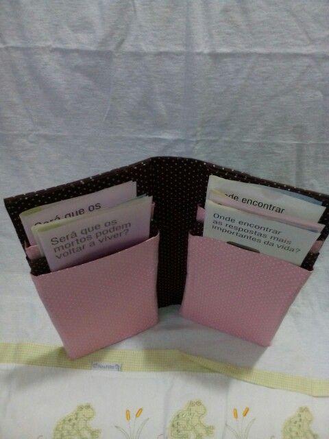 Porta folheto com  6 divisórias. Facebook Capas e pastas faby