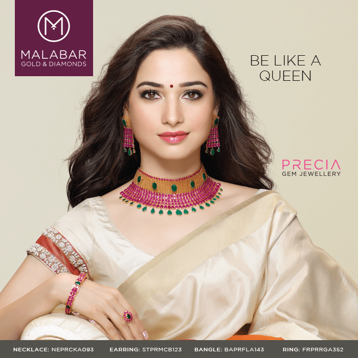 Astonishingly Magnificent And Stunning This Classic Necklace Set From Precia Collection Is Crafted To Suit Woman Fancy Necklace Bridal Choker Classic Necklace