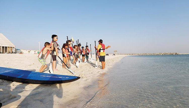اعادة فتح شواطيء أبو ظبي بعد تطهيرها Outdoor Beach Public Park