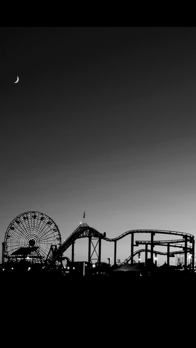 Aesthetic Iphone Black And White Wallpaper