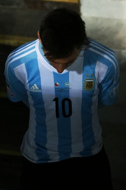 messi-oscuridad