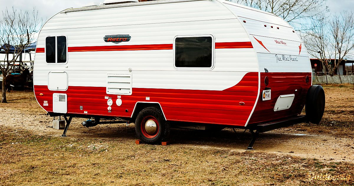 See 10 photos of this 2016 Whitewater Retro 177SE Trailer