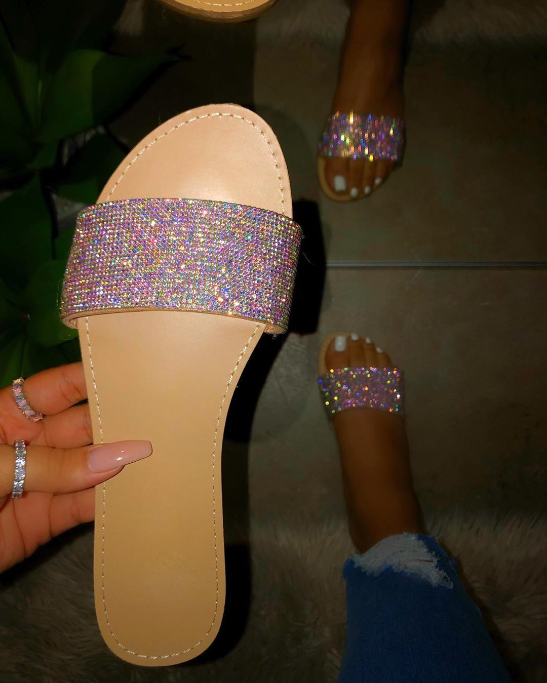 Pin by 𝒫𝓇𝒶𝒹𝒶𝒟𝑜𝓁𝓁 🧚🏽♀️💗 on Steppers™️ Womens sandals